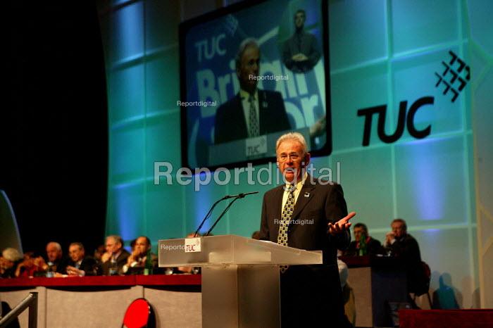 Nigel de Gruchy NASUWT, TUC President. TUC Congress 2003 - John Harris - 2003-09-08