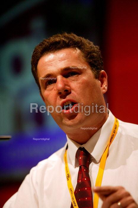 Mark Serwotka PCS speaking at TUC Congress 2003 - John Harris - 2003-09-08