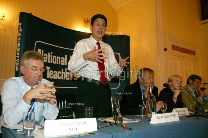 David Miliband MP and Steve Sinnott Gen Sec, NUT fringe meeting. Labour Party Conference 2004 - John Harris - 2004-09-27