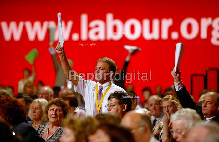 Delegate trying to intervene in debate, Labour Party Conference 2004 - John Harris - 2004-09-27