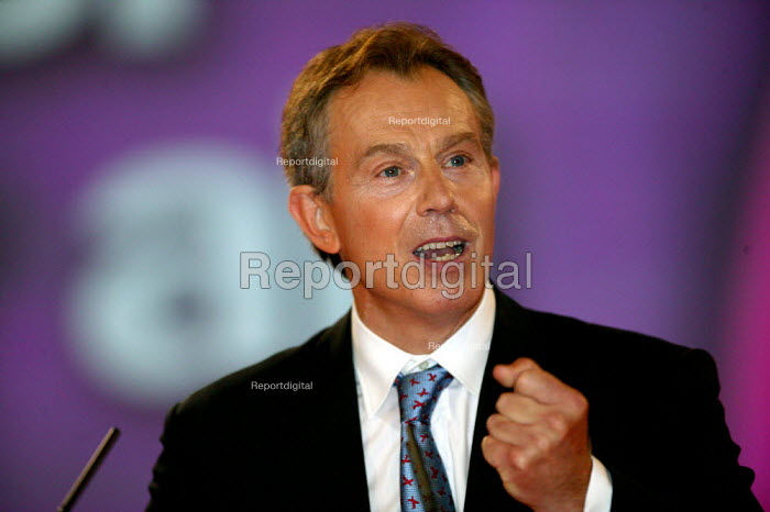 Tony Blair speaking, Labour Party Conference 2004 - John Harris - 2004-09-28