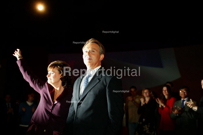 Tony Blair and Cherie, Labour Party Conference 2004 - John Harris - 2004-09-28