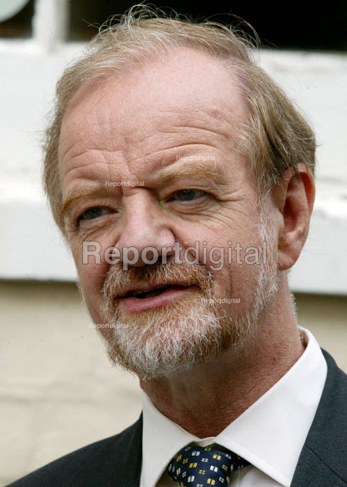 Robin Cook MP Labour Party Conference 2004 - John Harris - 2004-09-29