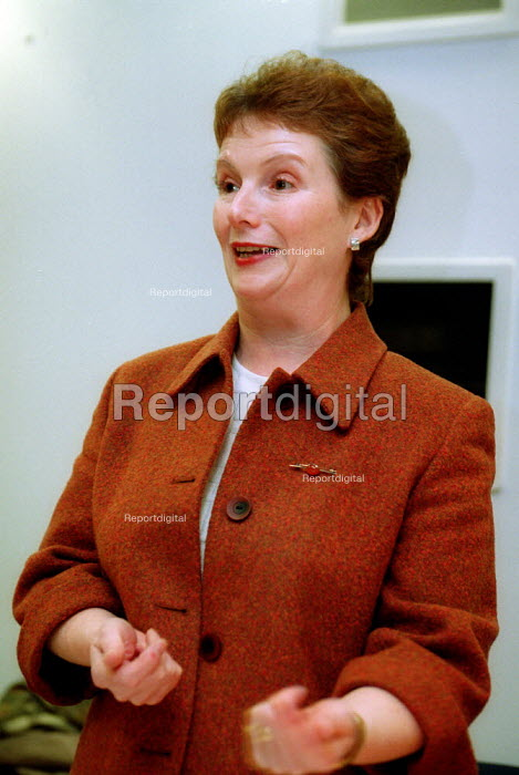 Hazel Blears MP speaking at the launch of UCATT The Case for a National Occupational Health Scheme for the Construction Industry. - John Harris - 2001-12-06