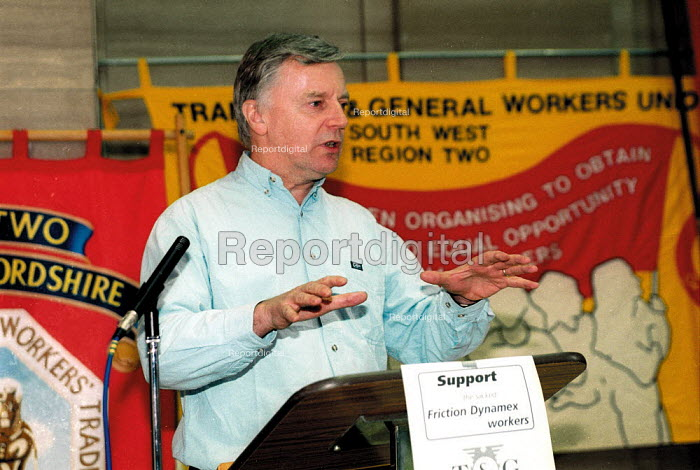 John Monks TUC speaking at rally in support of the 87 workers sacked by Friction Dynamex organised by the TGWU to show solidarity and to highlight the need to reform the 1999 Employment Relations Act. Cardiff South Wales. - John Harris - 2002-02-03