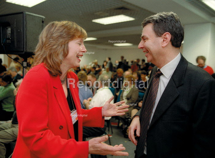 Dave Prentis Unison talking with Jane Davidson MP Wales, Labour Spring Conference Cardiff - John Harris - 2002-02-02