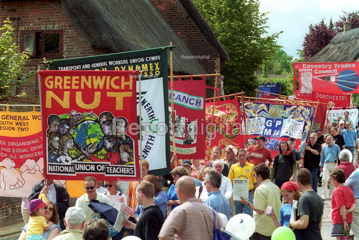 NUT, GMPU banners Tolpuddle Martyrs Festival Dorset. - John Harris - 2002-07-21