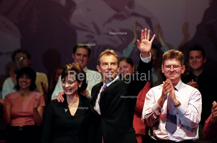 Tony Blair and Cherie Blair at Labour Party conference 2002 - John Harris - 2002-10-01