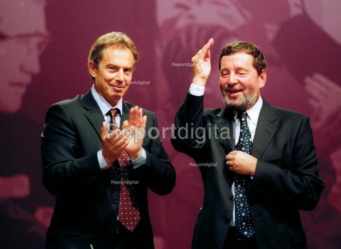 Tony Blair applauding David Blunkett Labour Party conference 2002 - John Harris - 2002-09-30