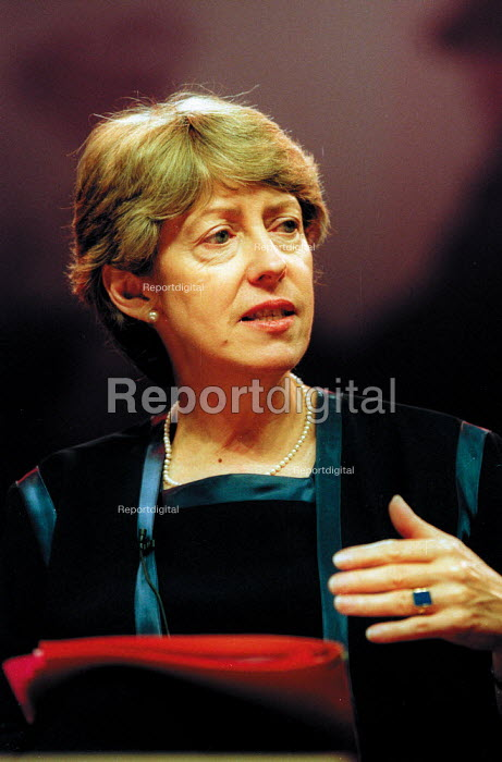 Patricia Hewitt MP speaking at Labour Party conference 2002 - John Harris - 2002-09-30