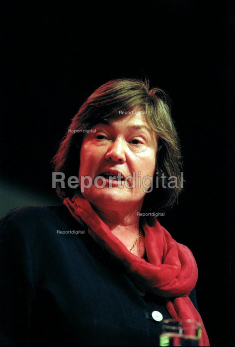 Clare Short MP speaking at Labour Party conference 2002 - John Harris - 2002-09-30