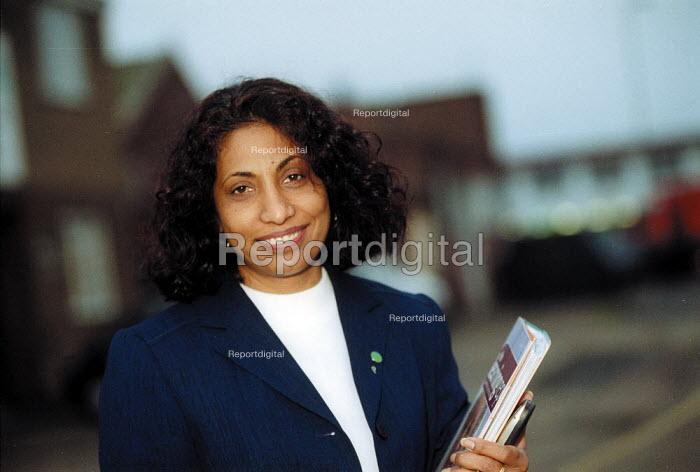 Prabha Gopal, TUC learning representative & project worker Leicester - John Harris - 2002-11-06
