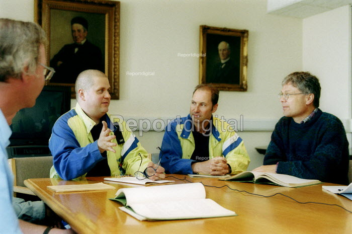 Amicus and MSF Trades Union organisers meeting management in the company directors boardroom Rhodia Chemicals Oldbury - John Harris - 2002-09-23