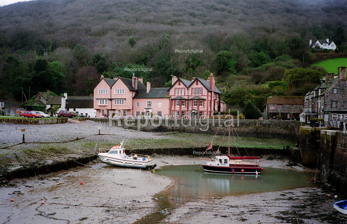 Hotel, Porlock Weir, Exmoor national park Dorset. - John Harris - 2003-03-10
