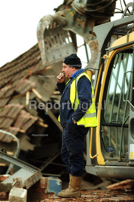 Demolition workers enjoying a break. Stratford on Avon - John Harris - 2003-03-02