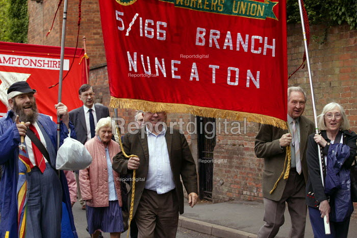 March and rally commemorating Joseph Arch founder of the National Agricultural Labourers Union, now part of the TGWU. Barford Church Warwickshire - John Harris - 2003-06-08