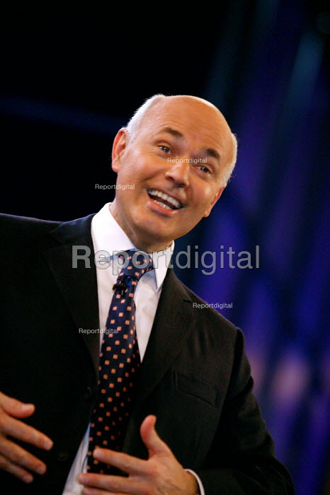 Iain Duncan Smith lampooning Tony Blair during the leader's speech Conservative Party Conference 2003 - John Harris - 2003-10-09