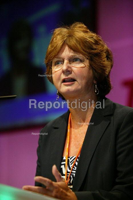 Sue Rogers NASUWT speaking at TUC Congress 2003 - John Harris - 2003-09-11