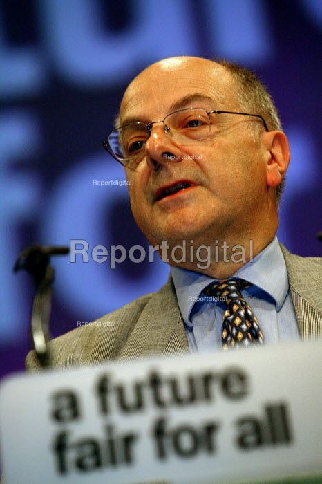Sir Jeremy Beecham MP speaking at Labour Party Conference 2003 - John Harris - 2003-09-29