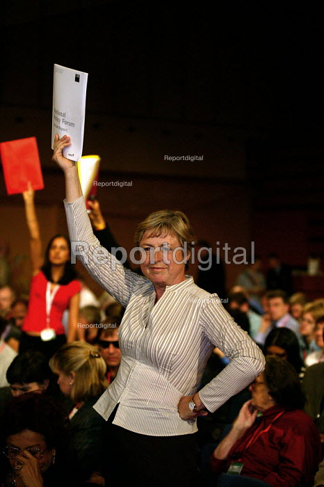 Delegate trying to get to speak at Labour Party Conference 2003 - John Harris - 2003-09-29
