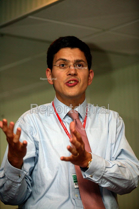 """School Standards Minister David Miliband MP speaking at NUT Fringe meeting """"Targets and Tests or Trust?"""" Labour Party Conference 2003 - John Harris - 2003-09-29"""