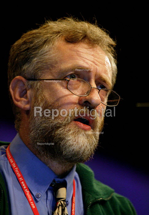 Jeremy Corbyn MP speaking at the Labour Party conference 2003 - John Harris - 2003-10-01