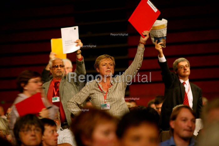 Amicus delegate trying to get to speak. Labour Party conference 2003 - John Harris - 2003-10-01