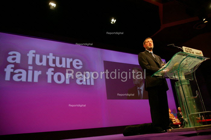 David Blunkett MP speaking at Labour Party conference 2003 - John Harris - 2003-10-02