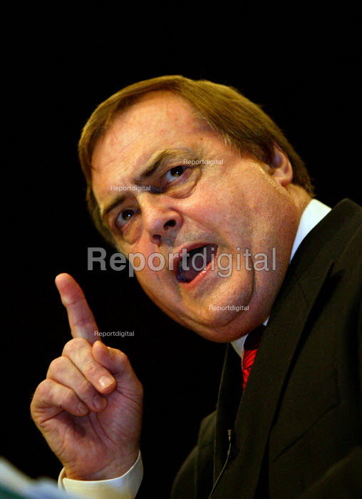 John Prescott MP speaking at Labour Party conference 2003 - John Harris - 2003-10-02