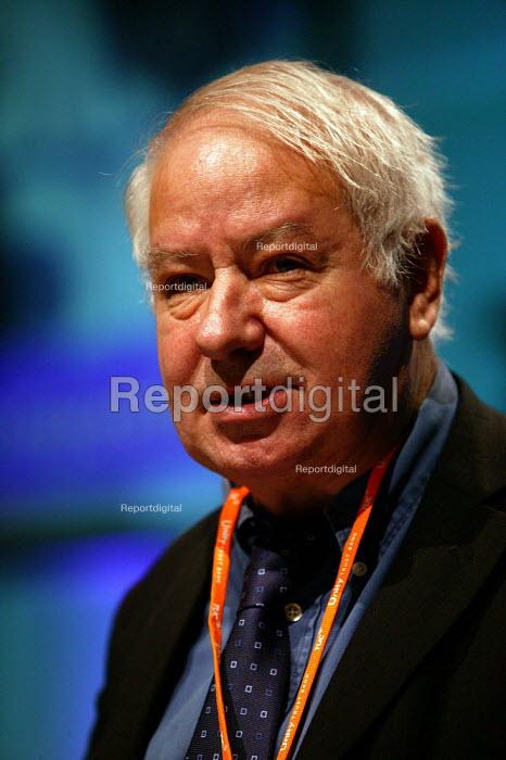 Jack Amos BECTU speaking at TUC Congress 2003 - John Harris - 2003-09-08
