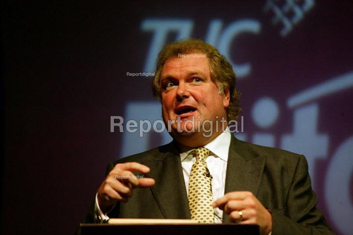 Digby Jones CBI speaking at TUC Congress 2003 - John Harris - 2003-09-09