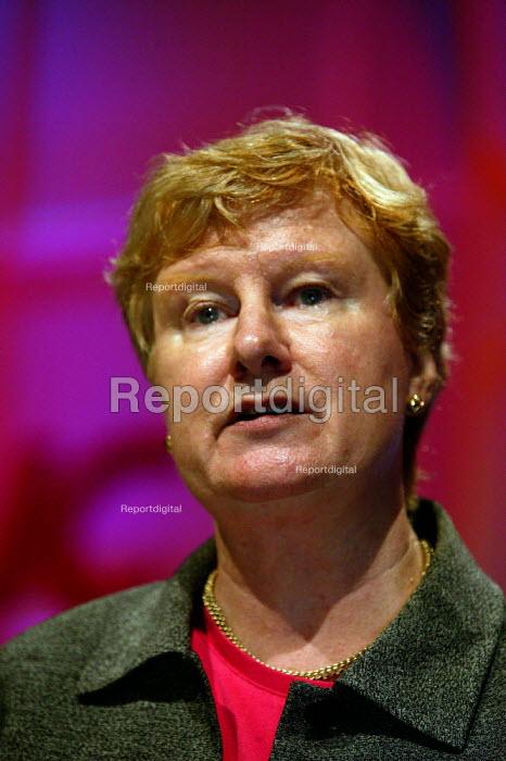Rita Donaghy ACAS speaking at TUC Congress 2003 - John Harris - 2003-09-10