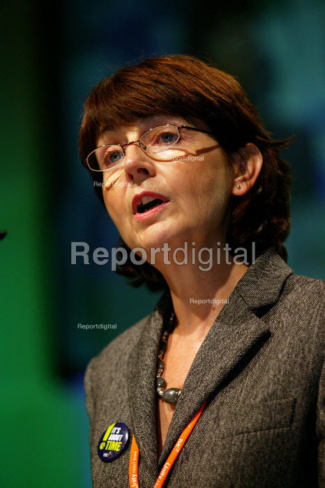 Kay Carberry Ass Gen Sec speaking at TUC Congress 2003 - John Harris - 2003-09-10