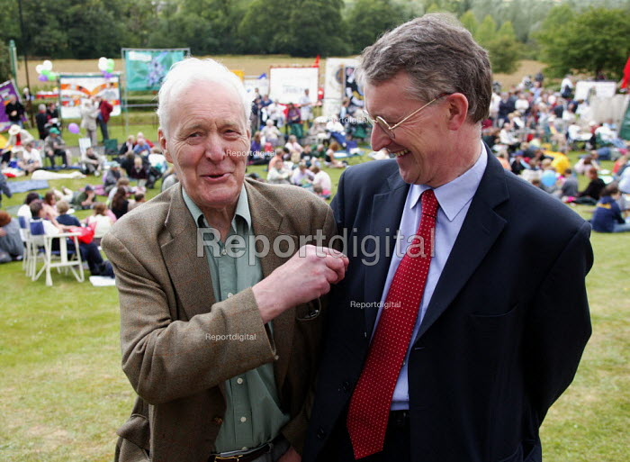 Tony Benn with his son Hilary Benn MP, TUC Tolpuddle Martyrs Festival 2004 - John Harris - 2004-07-18