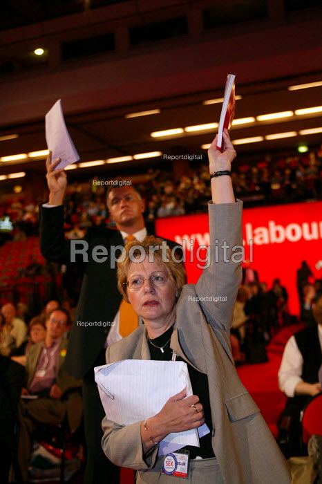 Delegate trying to intervene in debate, Labour Party Conference 2004 - John Harris - 2004-09-30