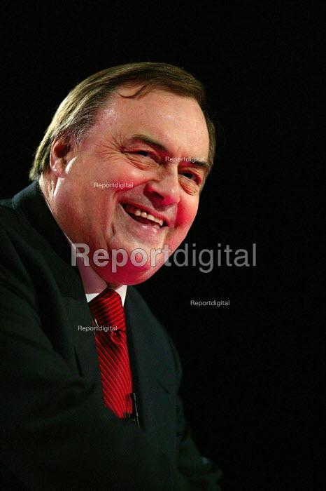 John Prescott speaking at Labour Party Conference 2004 - John Harris - 2004-09-30