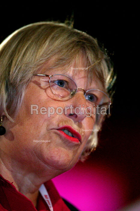 Helen Jackson MP speaking Labour Party Conference 2004 - John Harris - 2004-09-30