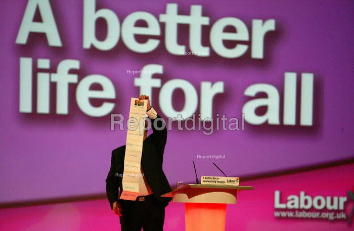 John Prescott MP speaking Labour Party Conference 2004 - John Harris - 2004-09-30