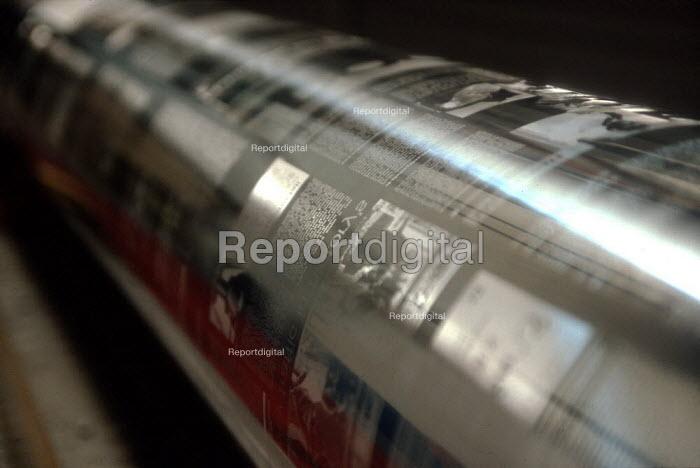 Printing cylinder - John Harris - 2001-09-16