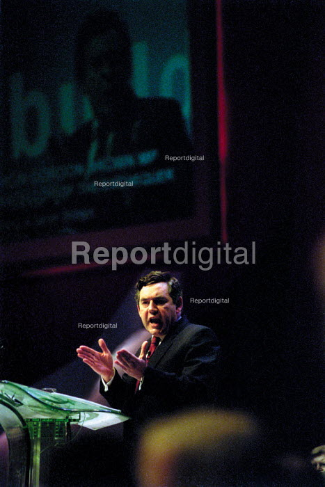 Gordon Brown addressing Labour Party Conference 2001 - John Harris - 2001-10-01