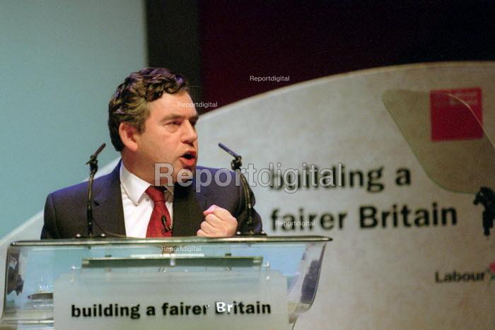 Gordon Brown addressing Labour Party Conference 2001 - John Harris - 2001-10-01