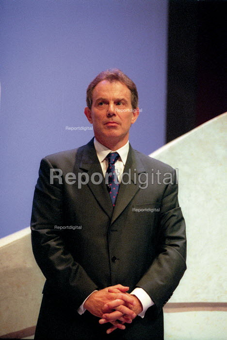 Tony Blair MP addressing Labour Party Conference 2001 - John Harris - 2001-10-02