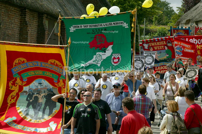 USDAW and NUM banners banners Tolpuddle Martyrs Festival Dorset. - John Harris - 2003-07-20