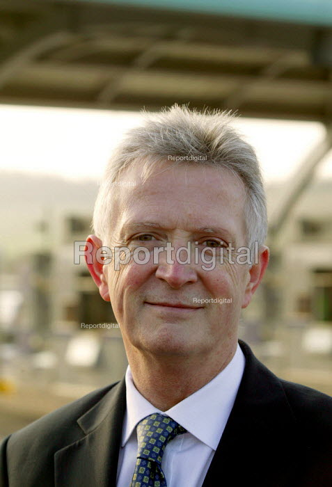Tom Fanning MD Midland expressway Ltd at the opening of the M6 Toll Road. The M6 toll is the first tolled motorway in Britain, and is intended to reduce the congestion on the M6. Birmingham Northen Relief Road Weeford Toll booths, West Midlands. - John Harris - 2003-12-09