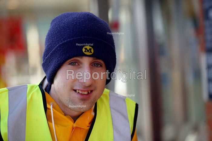 Young worker at Morrisons Supermarket. - John Harris - 2004-01-09
