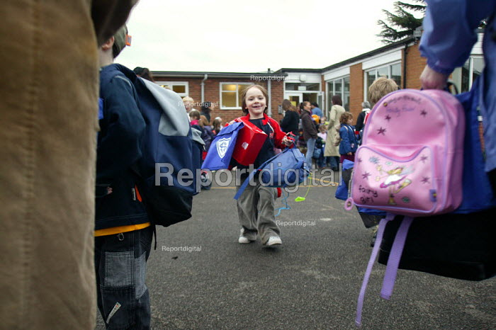 Parents collecting children from Primary School. Warwickshire - John Harris - 2004-02-06