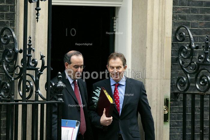 Tony Blair leaving 10 Downing Street, London. Budget Day - John Harris - 2004-03-17