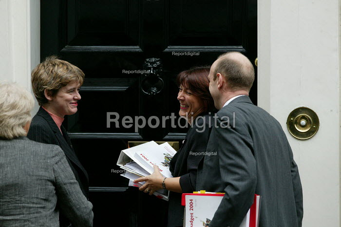 Ruth Kelly, Dawn Primarolo and John Healy, treasury team at 11 Downing Street, London. Budget Day. - John Harris - 2004-03-17