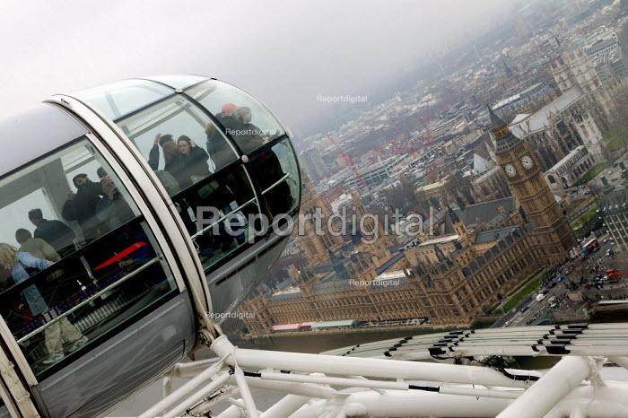 London Eye capsule. - John Harris - 2004-03-26