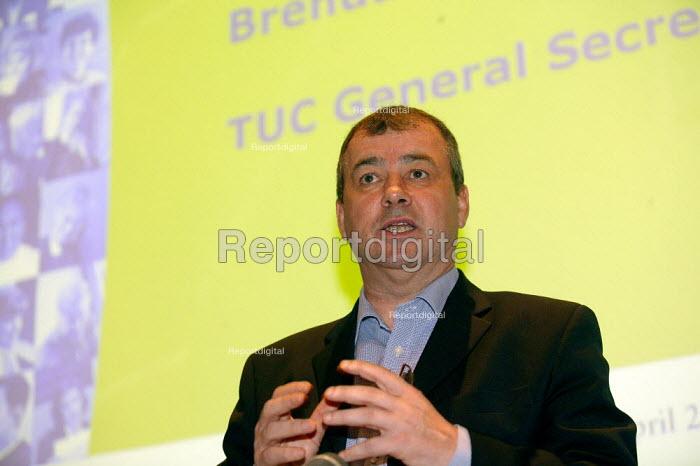 Brendan Barber TUC Unite against fascism rally NEC. - John Harris - 2004-04-03